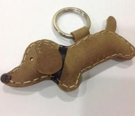 Tigger the dachshund Leather Keychain ( Brown / Black collar )