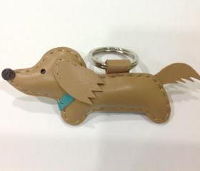 Mobo the Running Dachshund Leather Keychain ( Cream / Blue Collar )