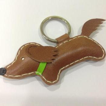 Russell the Running Dachshund Leather Keychain ( Dark Brown / Green Collar )
